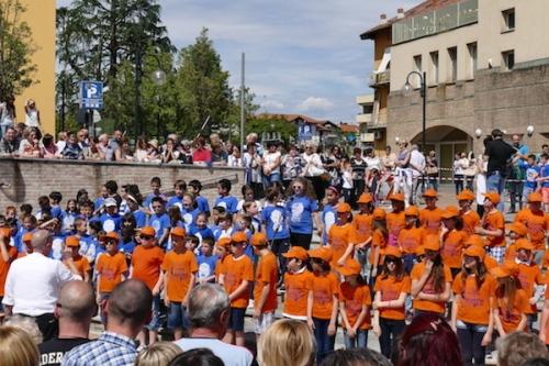 festa-di-primavera-scuola-in-piazza-cossato-16-biella24