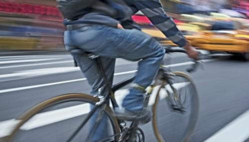 bicicletta-in-città-generica-biella24