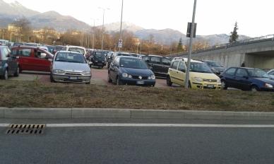ponderano-ospedale-parcheggio-pieno-biella24-002