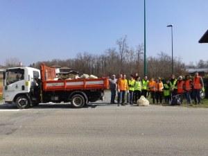 brusnengo-cittadini-puliscono-paese-biella24-002