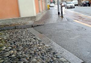 biella-via-ivrea-posto-disabili-cancellato-biella24-002