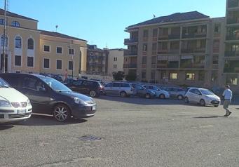 biella-parcheggio-ex-boglietti-no-segnaletica-biella24-002