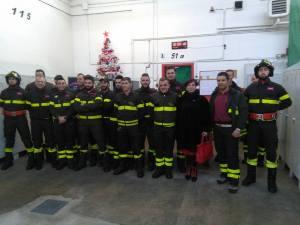 quaregna-sindaco-con-vigili-fuoco-biella24