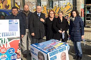 campagna-elettorale-2018-gazebo-biella24-002