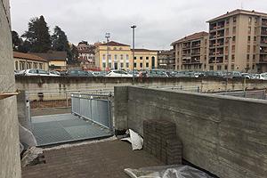 Parcheggio Funicolare - uscita pedonale piazza De Agostini