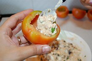 ricette-pomodori-ripieni-tonno-biella24