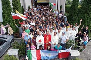 biella-giovani-partenza-roma-biella24