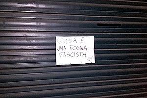 biella-scritte-anti-casa-pound-biella24