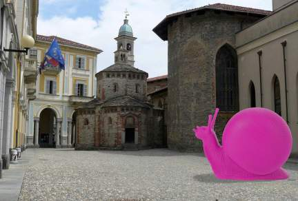 cracking art piazza Duomo 2