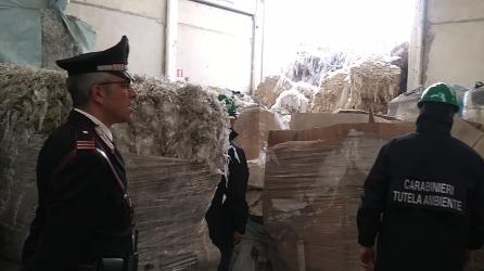 occhieppo-rifiuti-carabinieri-biella24-003