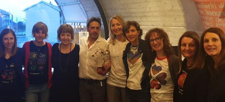 lo staff dei laboratori di genomica e arteterapia con Viola Erdini e Paolo Barichello