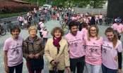 Pedalata in rosa gruppo