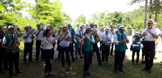 BANDA MUSICALE A BORBONA (1)