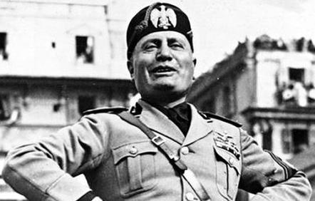 Mussolini.-cittadinanza-onoraria.-foto-da-archivio-secolo.-jpg