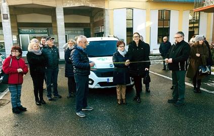Consegna nuova auto volontari Ponzone 2